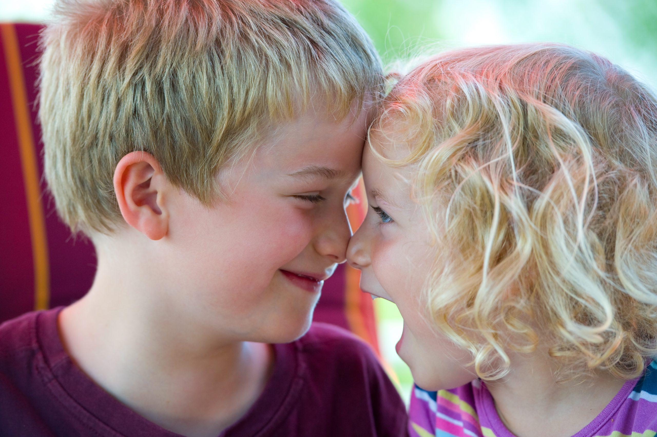Sigillatura dei denti ai bambini